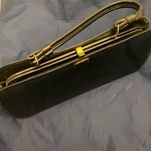 Gorgeous 1950s patent leather purse black